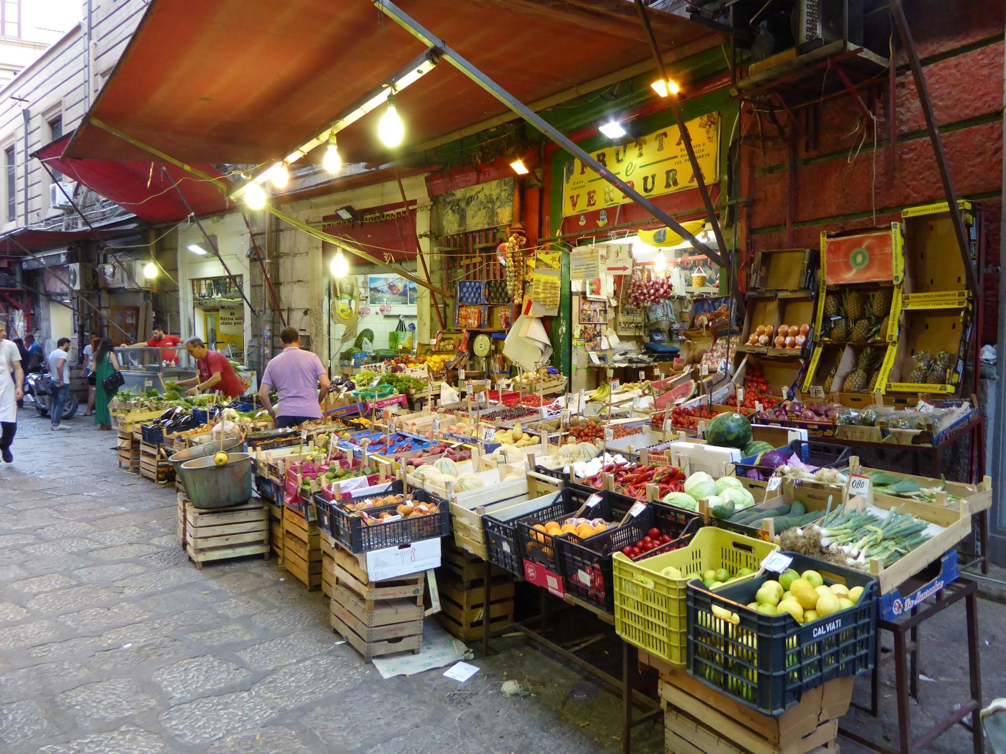Europass - Tour nel centro storico con degustazione dello Street Food
