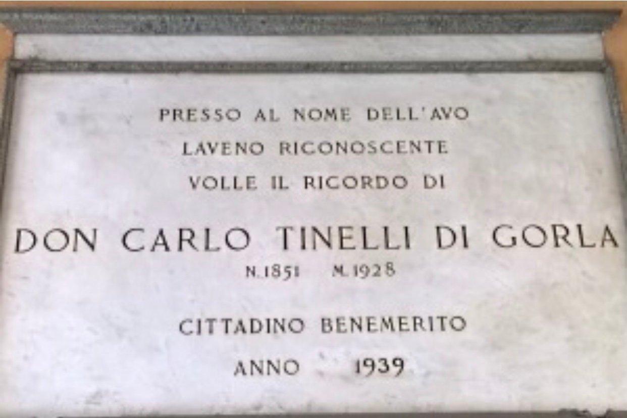 Monumento a Carlo Tinelli