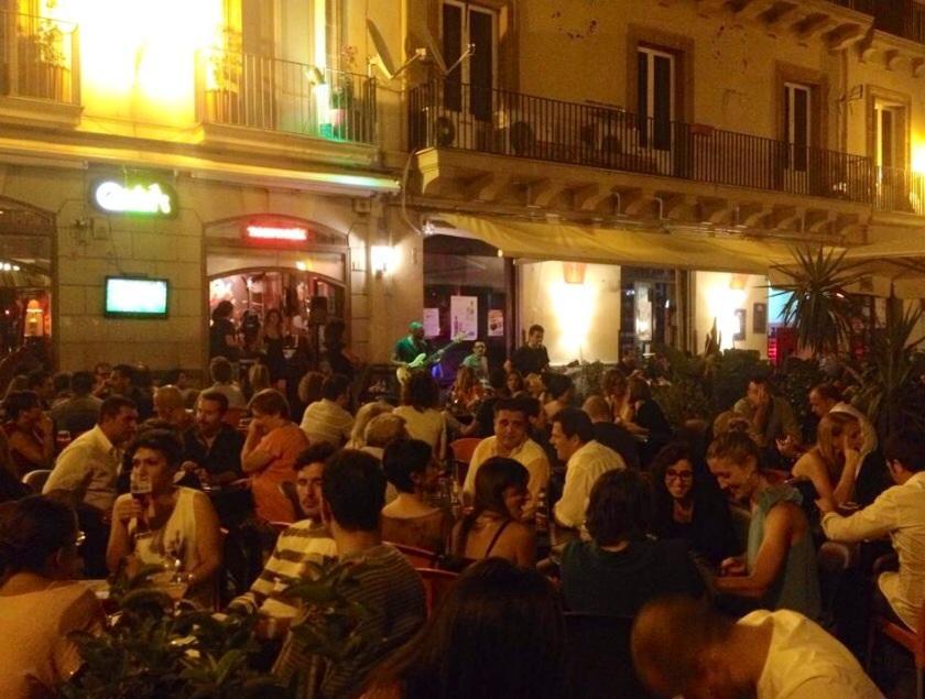 Qvivi Music Bar